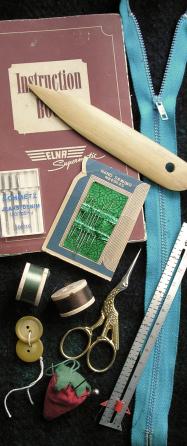Sytillbehör - nål, tråd, sax